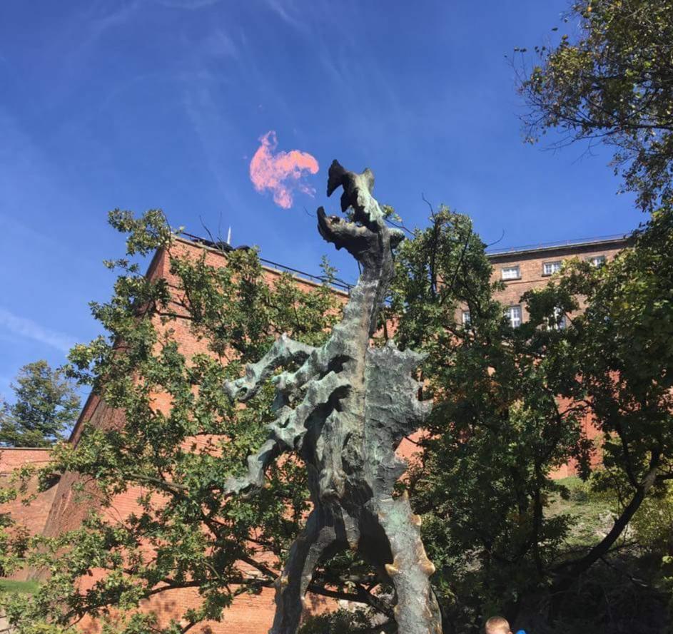 Smok Wawelski i legenda o smoku