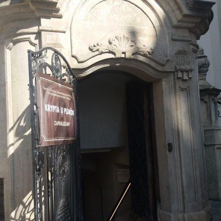 krypta w kościele oo. pijarów